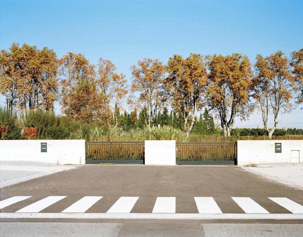LE TEMPS PRESENT, VILLAGES DANS LES BOUCHES DU RHONEEYGALIERES, FRANCE, 2015