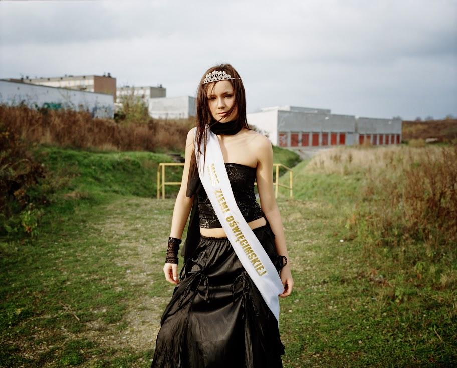 3/7 Oświęcim. Pologne. Oświęcim Miss Earth, 2004.