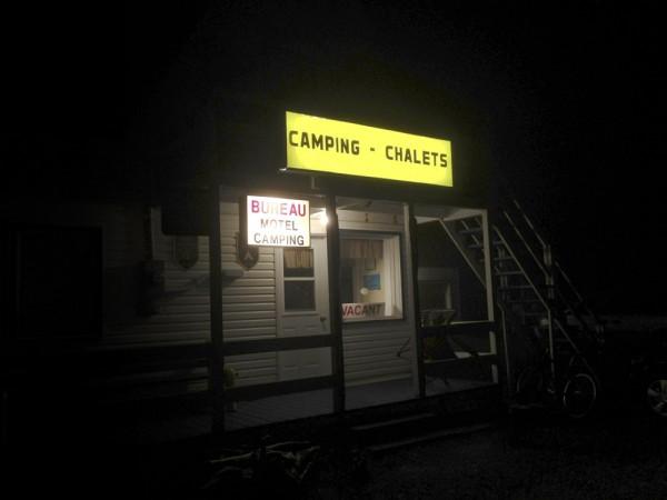 18_camping-chalet-motel-panneau-droit_v2