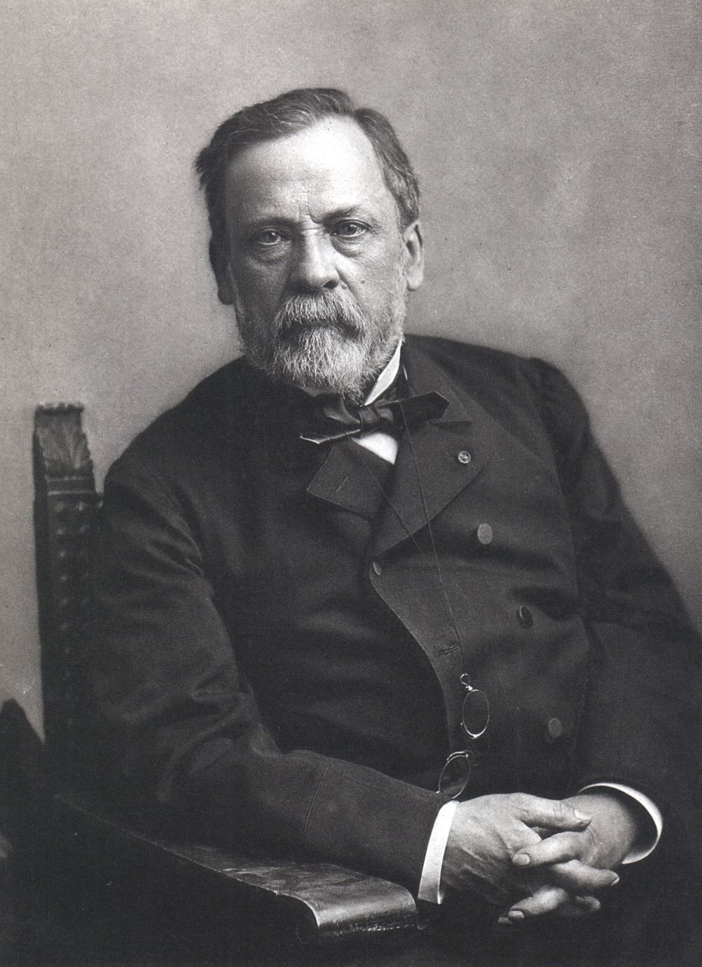 1200px-Louis_Pasteur,_foto_av_Félix_Nadar