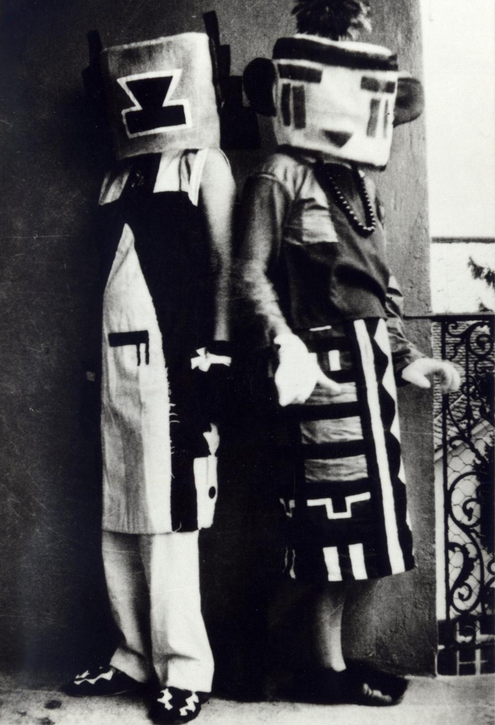 04. Inconnu_femmes-avec-costume-kachina