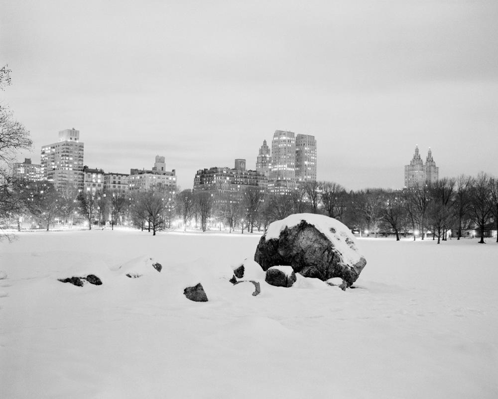 TB_Rock_Snow_Night