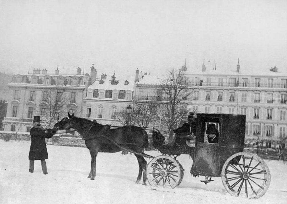 Avenue-du-bois-de-boulogne-avenue-foch-1892-les-plus-belles-photos-de-paris-sous-la-neige-1024x732