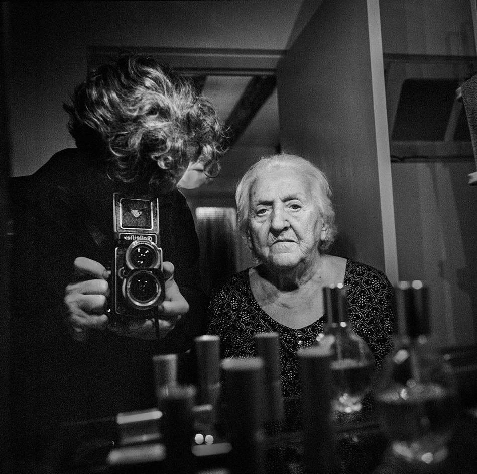 autoportraitavecmagrandmere2018.OD