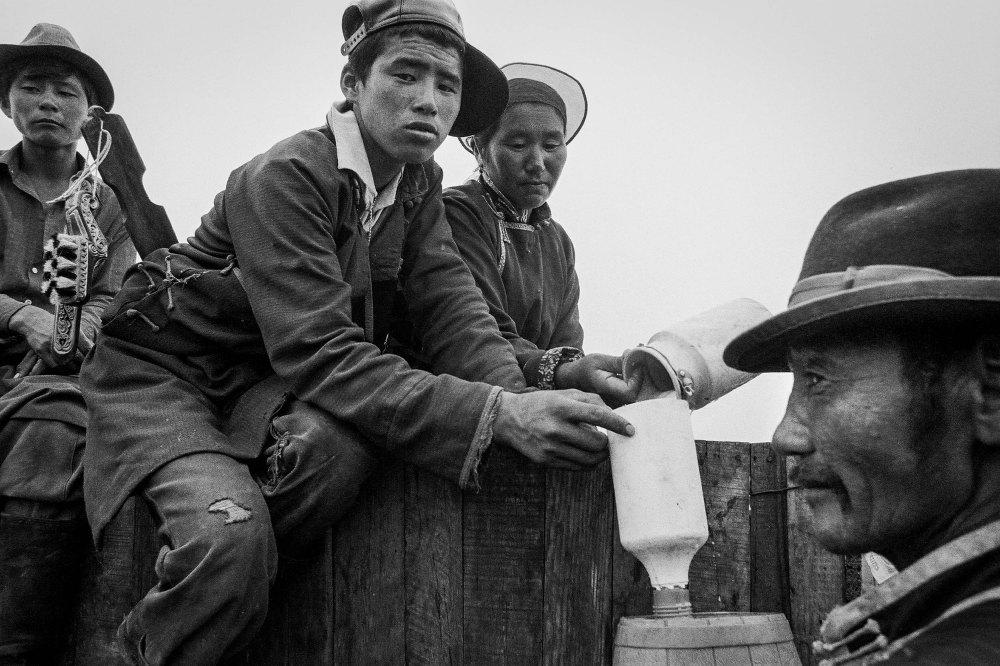 Mongolie, ceremonie sur montagne sacrée, 1994 photo Ch Goussard (11 sur 19)