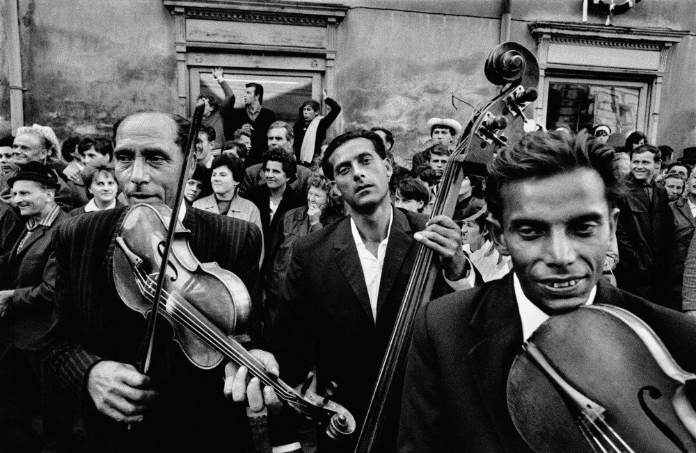 CZECHOSLOVAKIA. Straznice. 1966. Festival of gypsy music.
