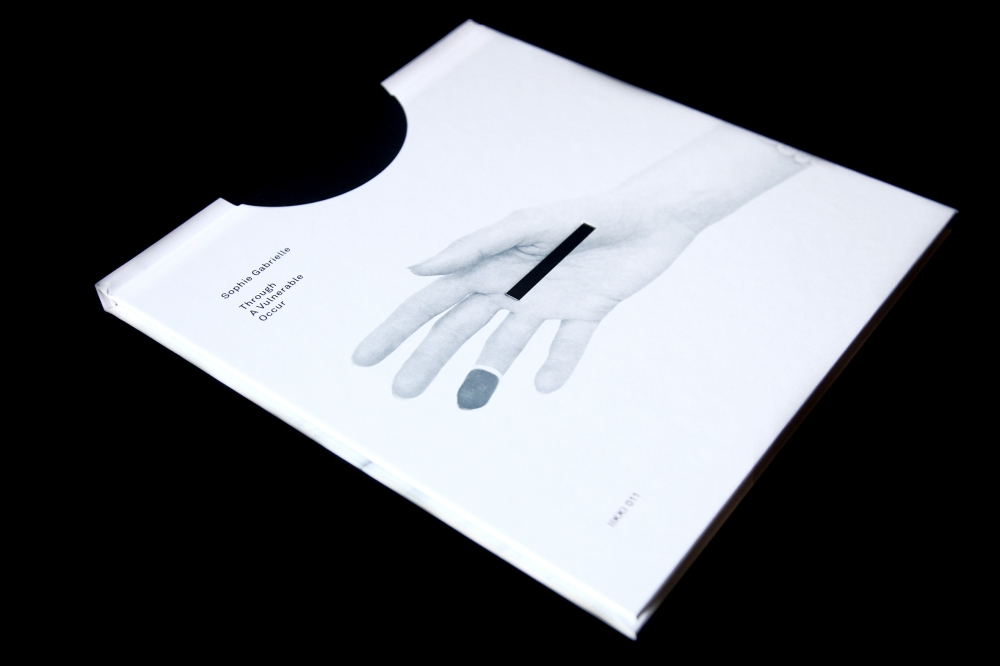 IIKKI-011_BOOK_THROUGH-A-VULNERABLE-OCCUR-01 (OUTSIDE FRONT)