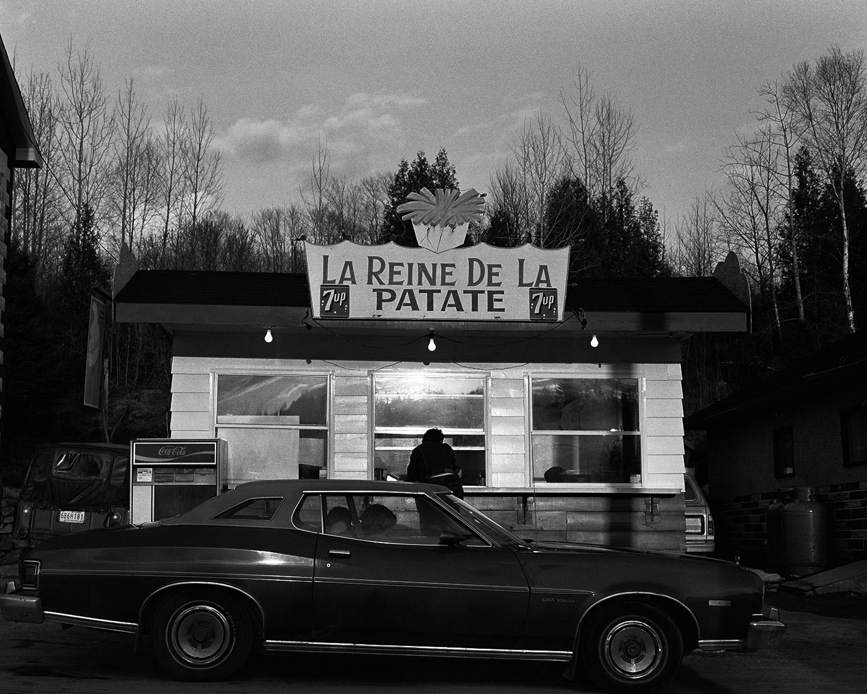 """""""La reine de la patate"""", route 323, Lac-des-Plages, Province du"""