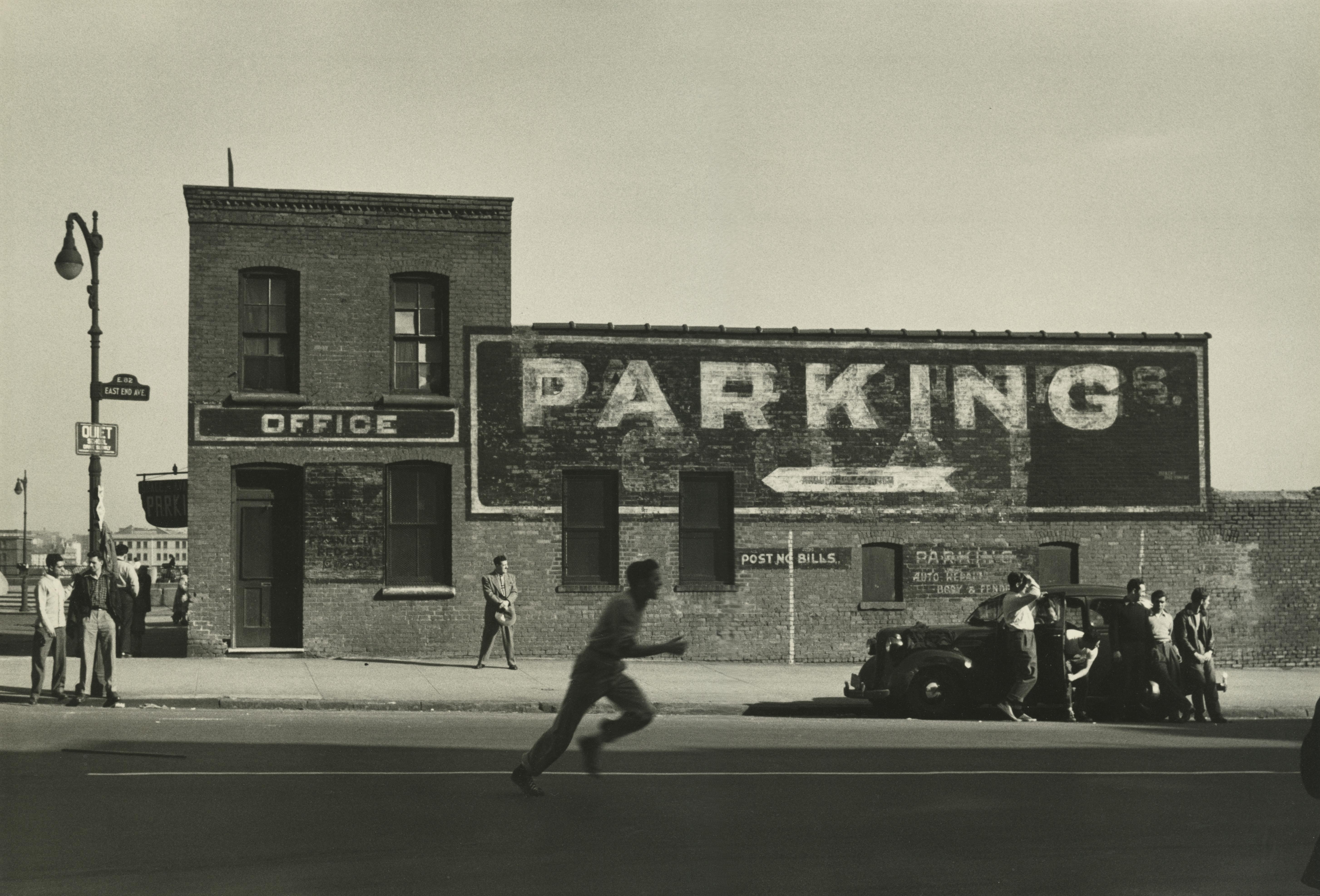 10-Dan Weiner _East End avenue NY 1950