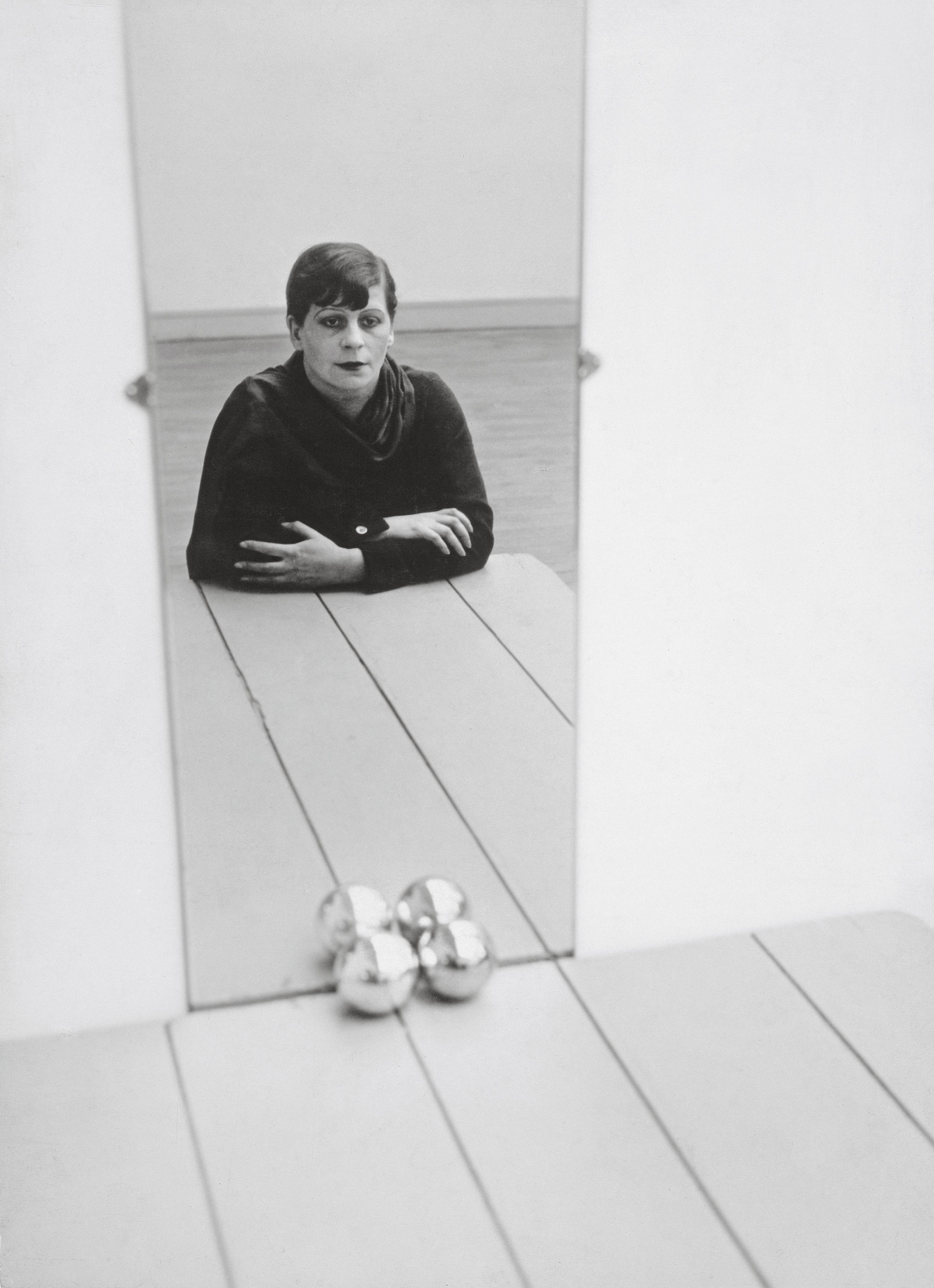 30_Florence-Henri,-Autoportrait,-1928.-Florence-Henri-©-Galleria-Martini-&-Ronchetti