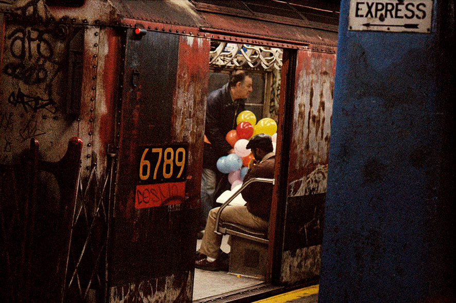 #56_1984, NY USA, balloons in the subway
