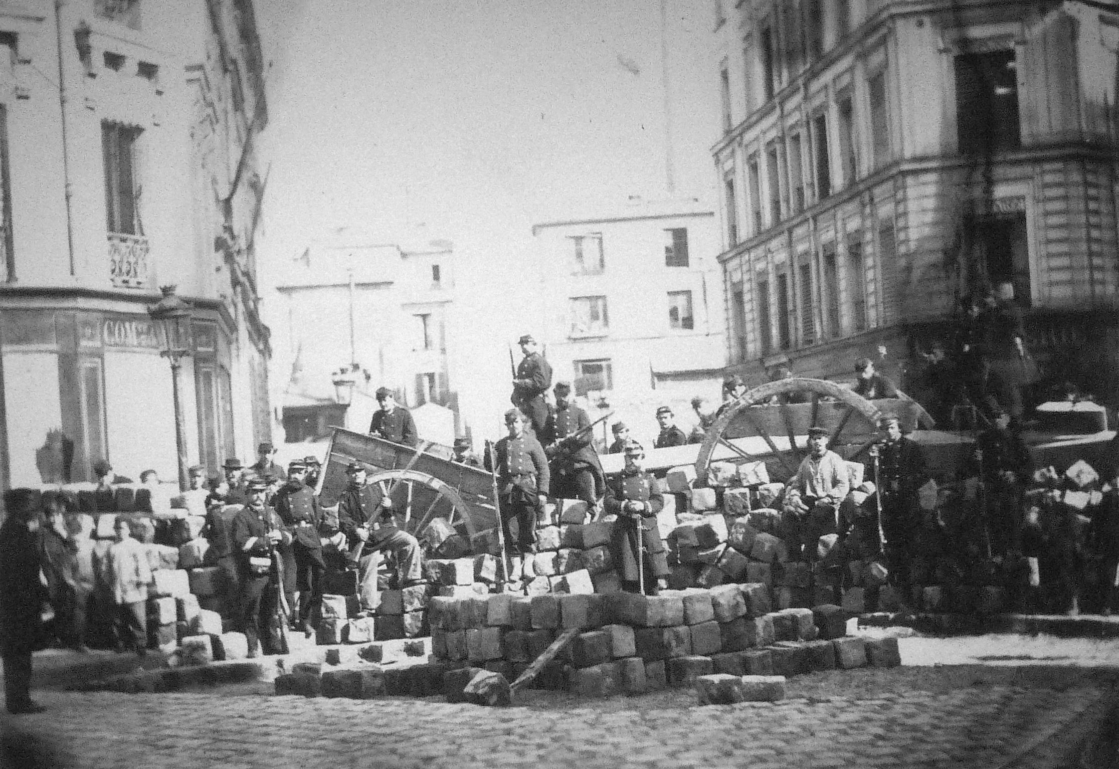 Commune_de_Paris,_barricade_passage_Raoul