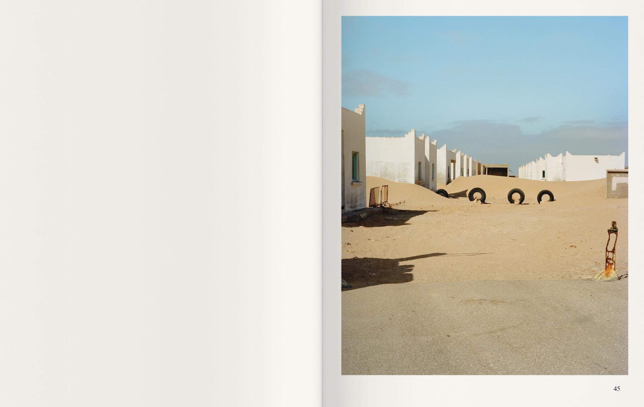 photoq-bookshop-ediciones-anomalas-federico-clavarino-ghost-stories-8