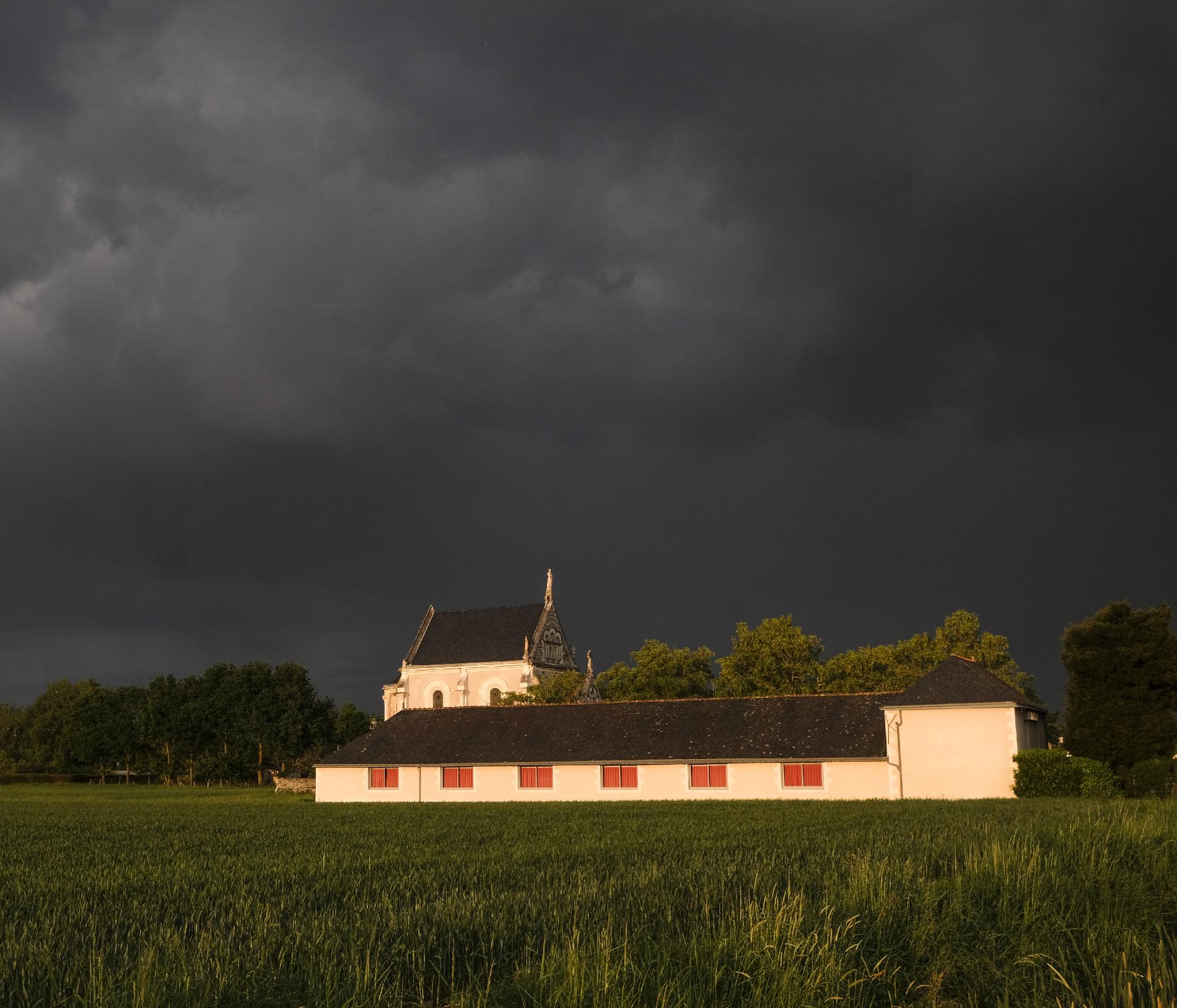 La Bohalle : A French village at the time of coronavirus La Bohalle : Un village français au temps de l epidemie