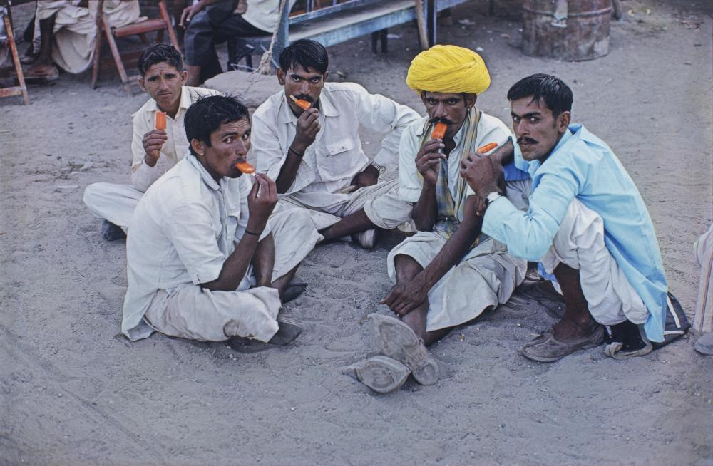 Singh Raghubir - Men Eating Popsicles